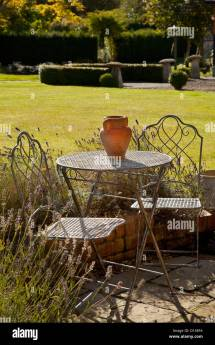 Metal French Style Garden Furniture Table And Chairs With