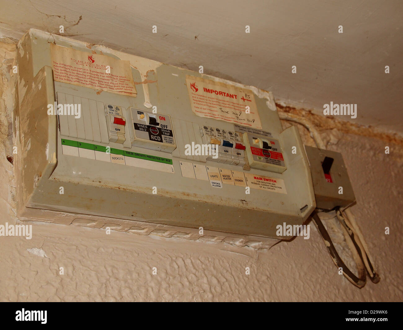 hight resolution of old fuse box at the incoming power supply in to a flat or apartment