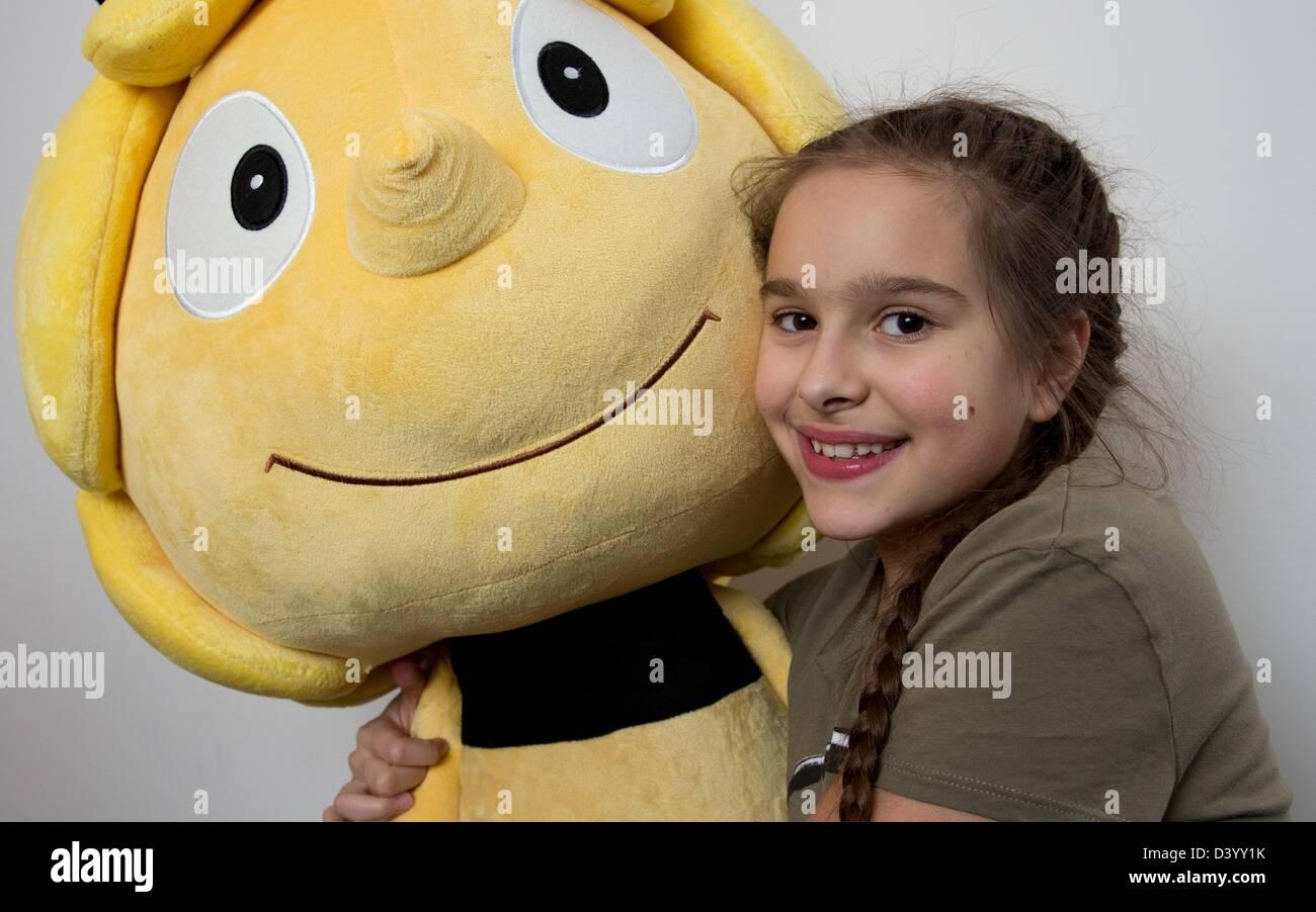 Voice Actress Zalina Sanchez Maya The Bee Poses With A Maya The Bee Stock Photo Alamy