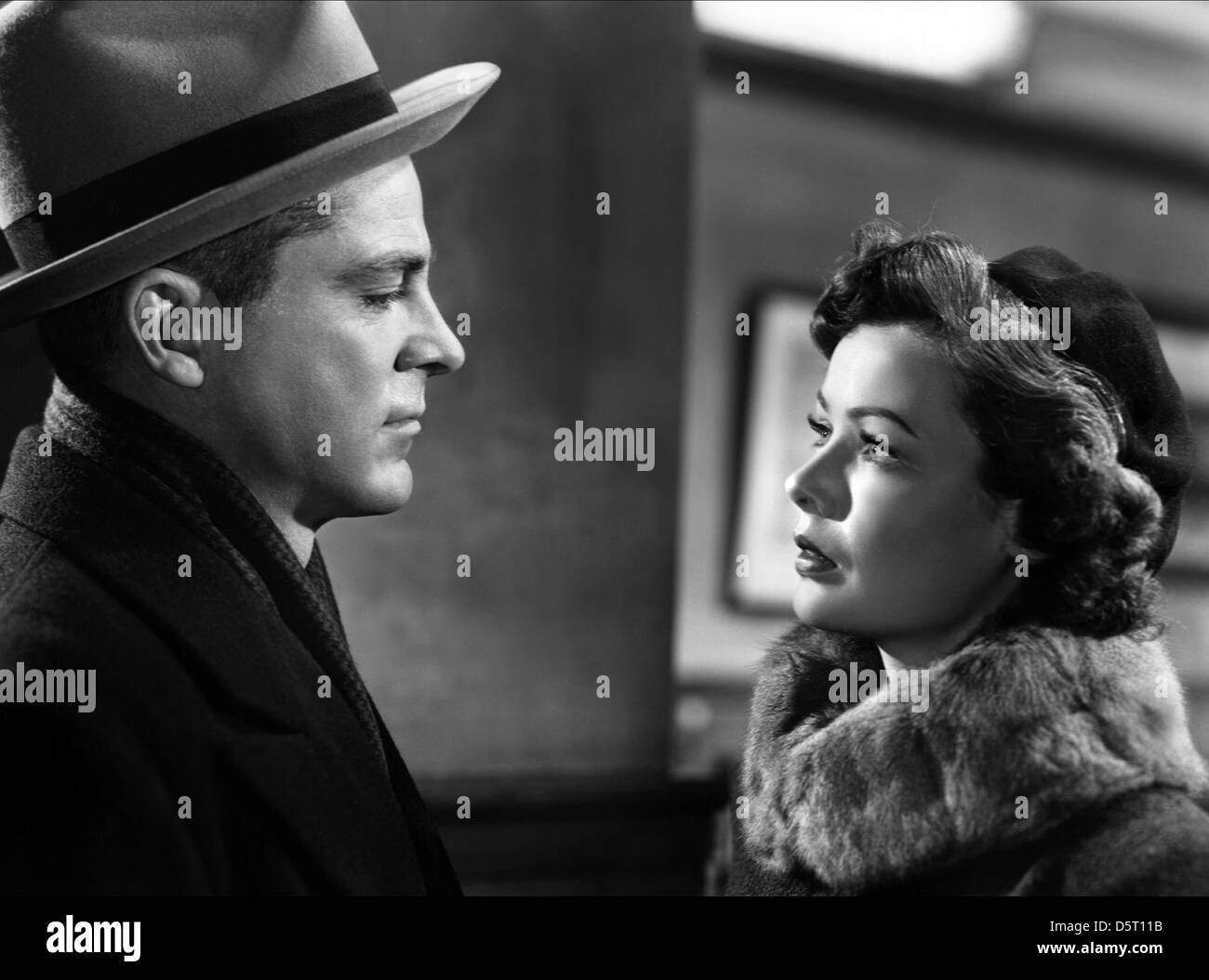 DANA ANDREWS & GENE TIERNEY THE IRON CURTAIN 1948 Stock Photo