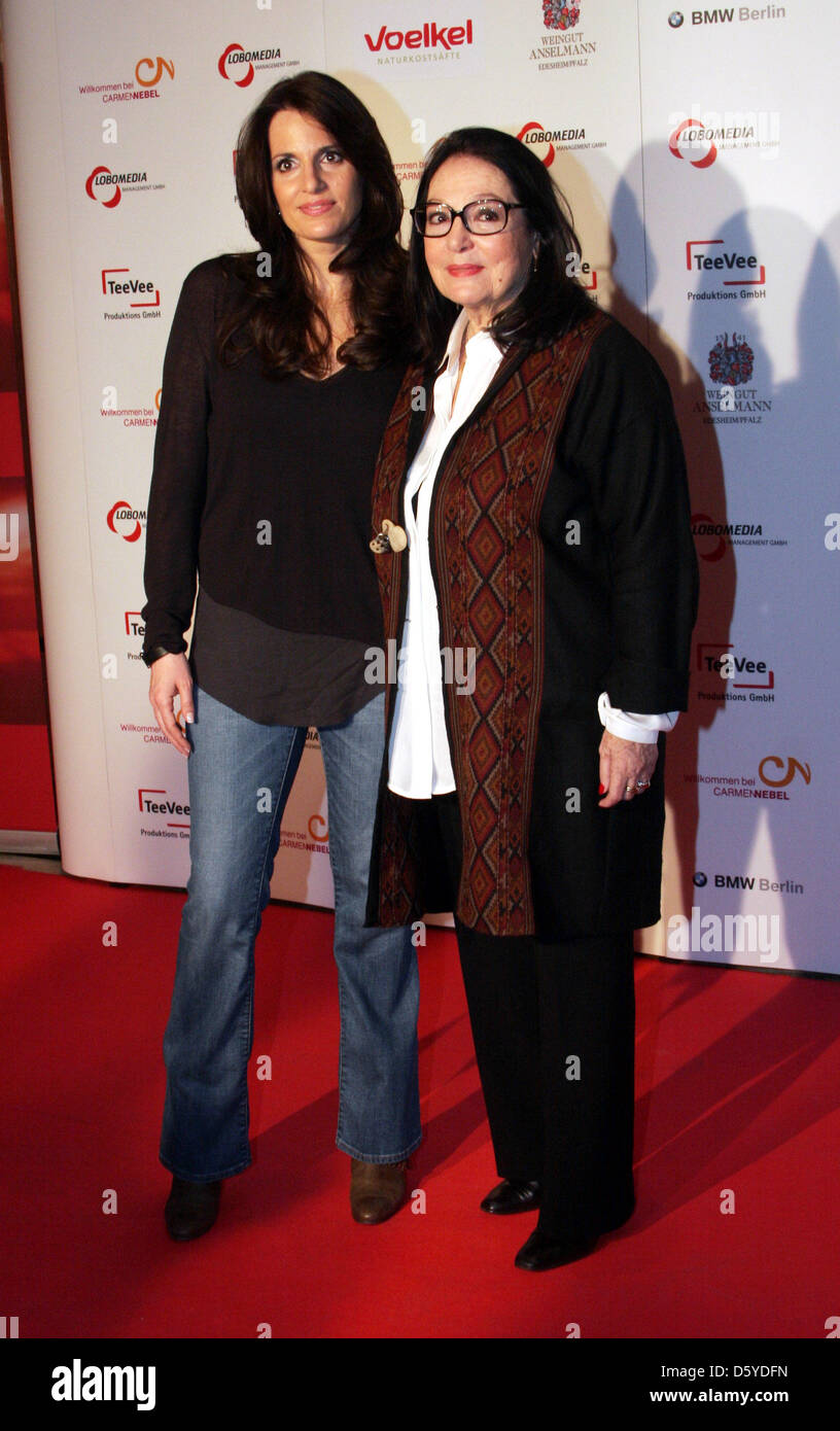 Nana Mouskouri Et Sa Fille : mouskouri, fille, Mouskouri, Resolution, Stock, Photography, Images, Alamy