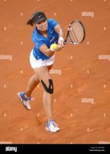 China' Li Na Hits Ball Quarterfinal Match