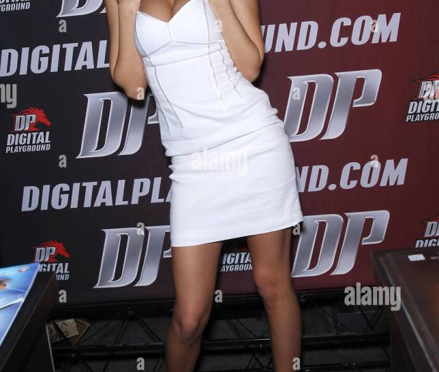 Bibi Jones Day One Of The 2012 Avn Adult Entertainment Expo At The Hard Rock Hotel