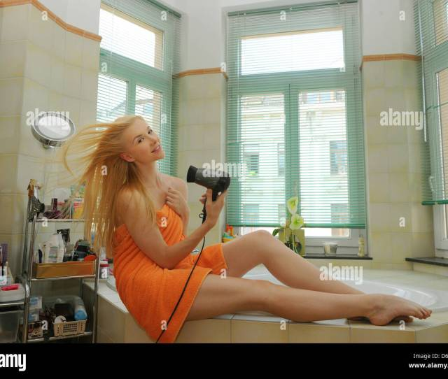 Dpa Exclusive Snake Woman And Actress Zlata  Poses In The Bathroom