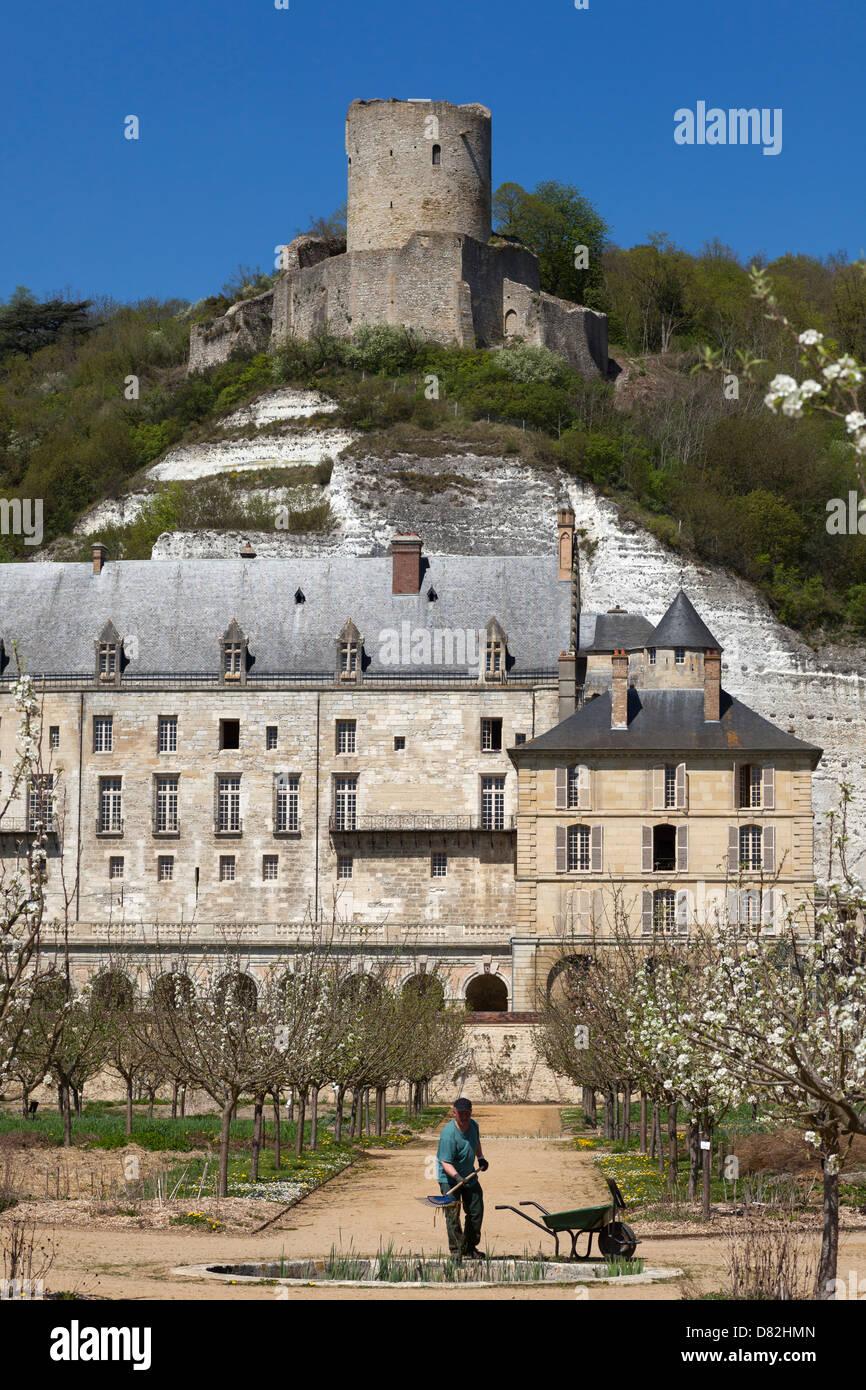 Chateau En Ile De France : chateau, france, Chateau, Roche-Guyon, Dungeon, Viewed, Nearby, Arboretum, Stock, Photo, Alamy