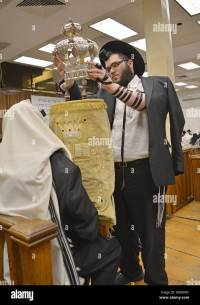 Rabbi Wearing Prayer Shawl Stock Photos & Rabbi Wearing ...