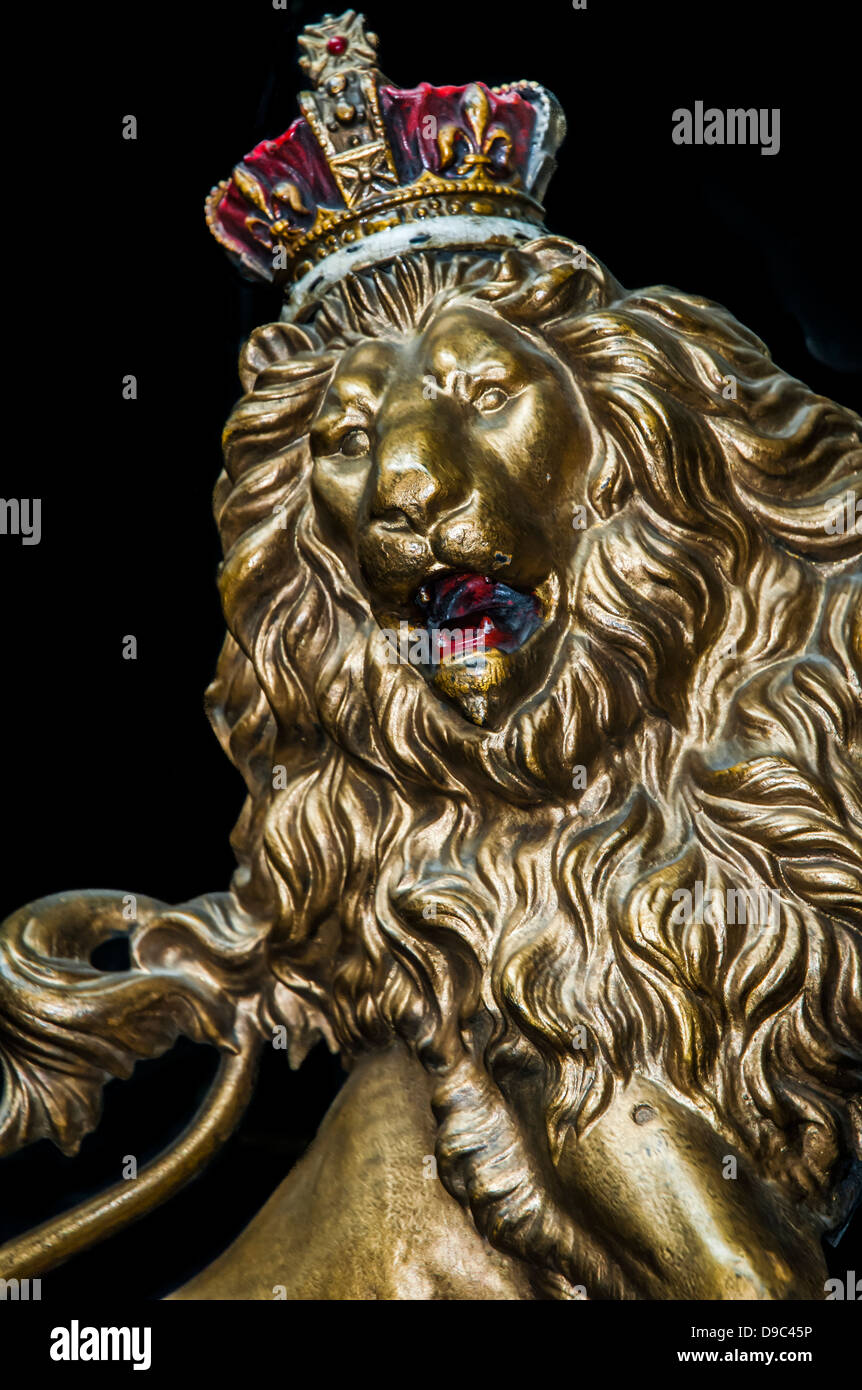King Crown Hd Wallpaper Golden Lion Sculpted Wearing A Royal Crown Stock Photo