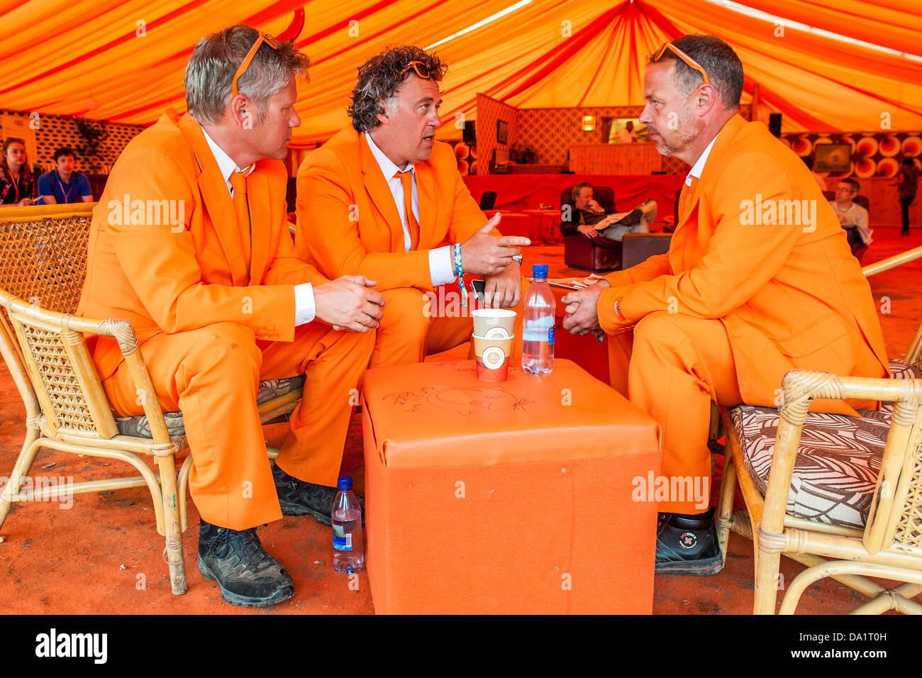 three dutchmen chilling in