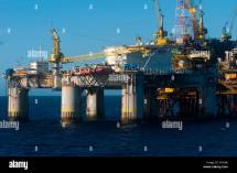Pce-1 Oil Rig Offshore Rio De Janeiro With Floating Hotel