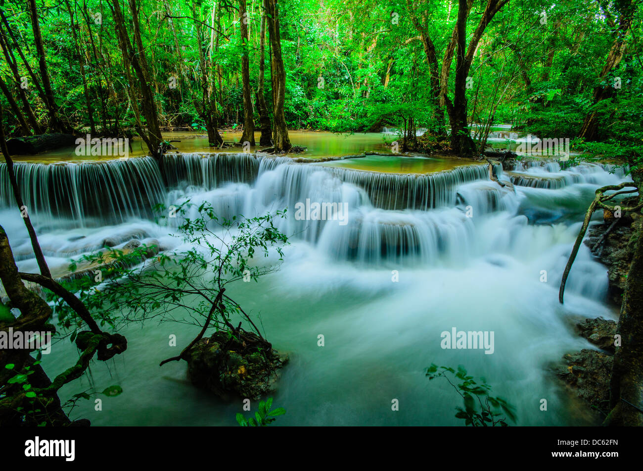 Natural Falls Wallpaper Free Download Huay Mae Khamin Paradise Waterfall Located In Deep Forest