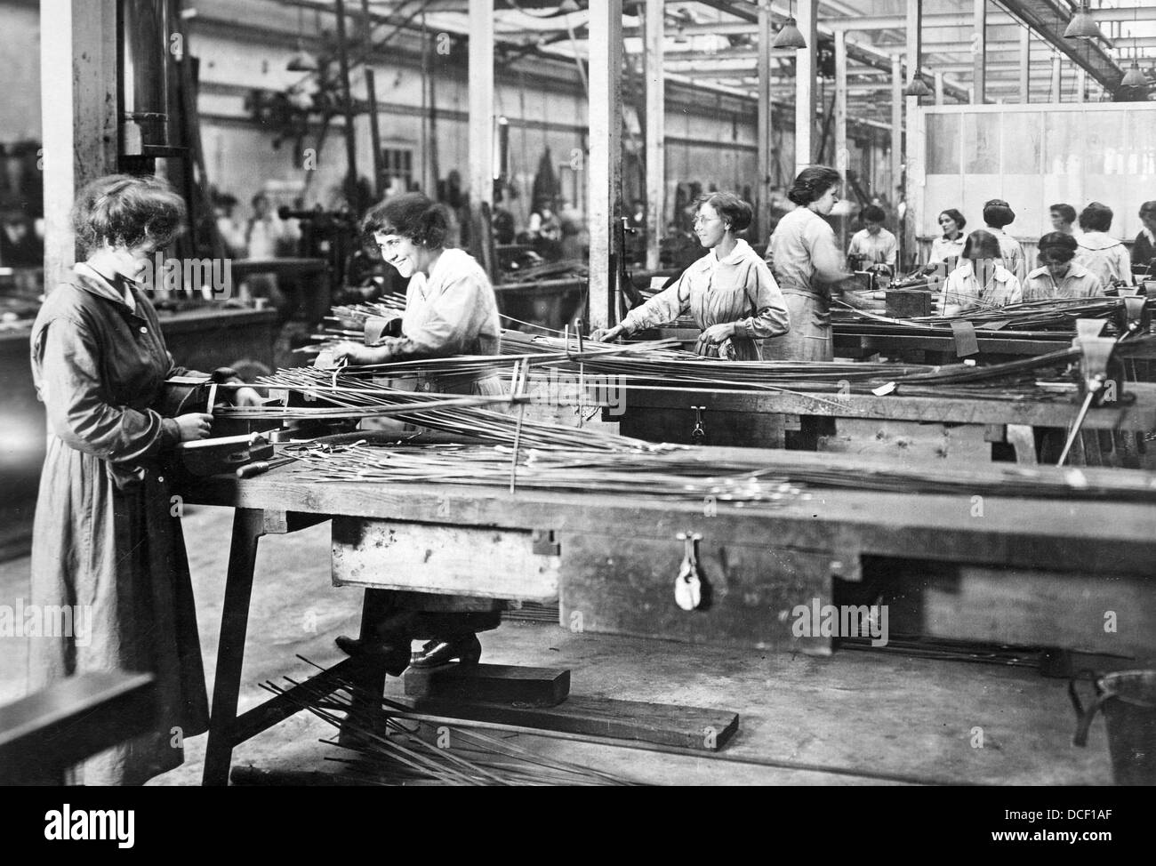 Ww1 Women War Workers In A British Steel Factory During
