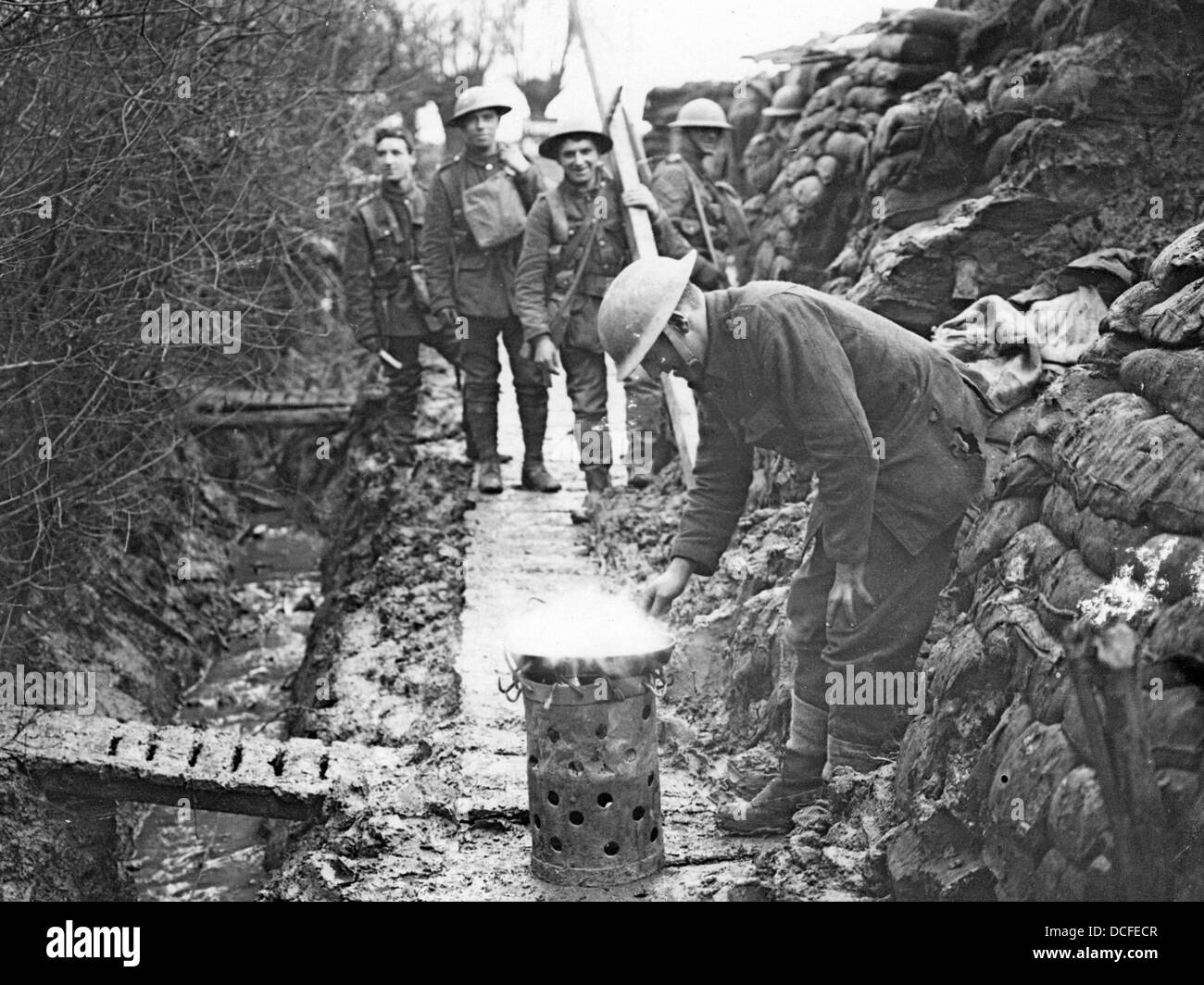 Great War Ww1 Cooking In The Trenches Stock Photo