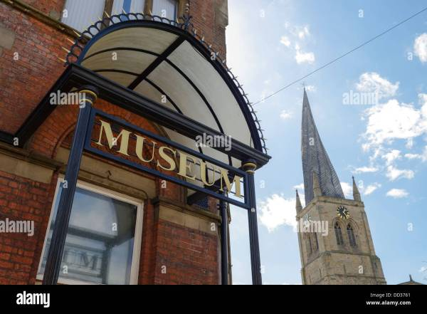 Chesterfield Town Spire Stock & - Alamy