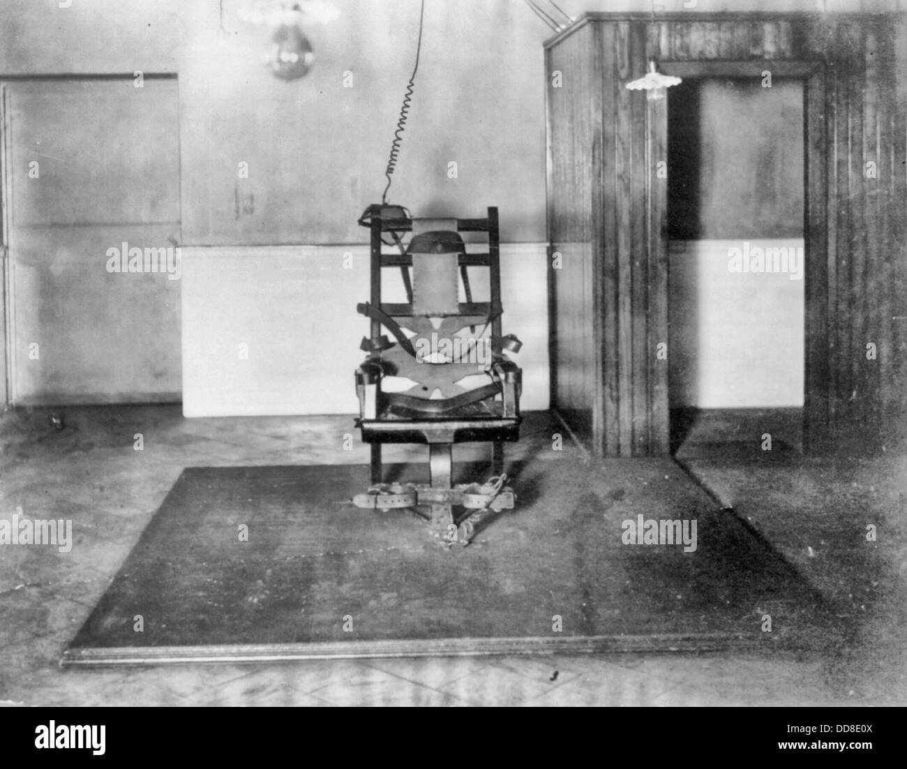 vintage electric chair cheap 6 dining tables the in auburn state prison new york