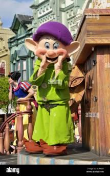 Dopey Disney Stock & - Alamy