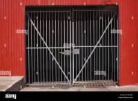 Garage Gate Stock Photos & Garage Gate Stock Images - Alamy