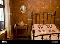 Old Fashioned Bedroom Pictures | Psoriasisguru.com