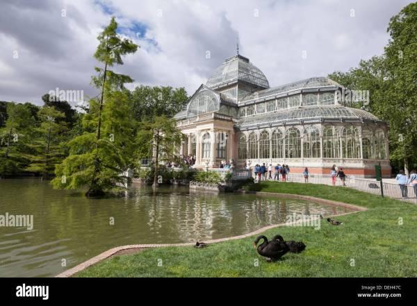 El Palacio De Cristal In Buen Retiro Park - Madrid Community Stock 60612816 Alamy