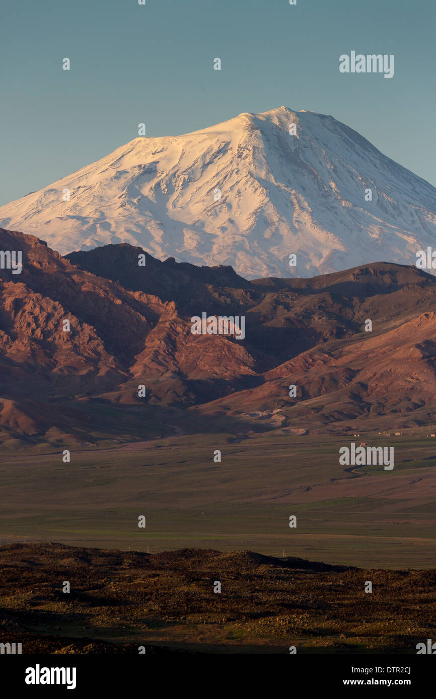 Ararat Mountain And Khor Virap Monastery Armenia Auto Electrical Leviton Phone Jack Wiring Diagram Emprendedorlink Mt Stock Photos U0026 Images