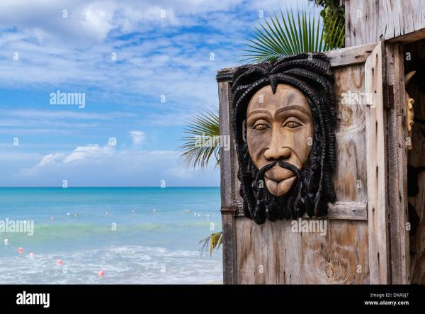 Wood Carving Carvings Stock & - Alamy