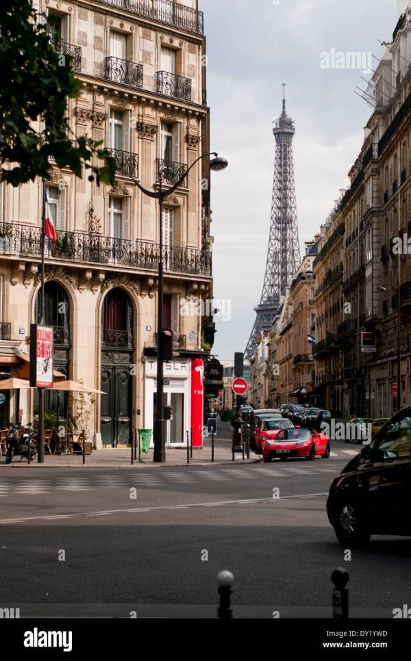 Eiffel Tower View Side Streets In Paris Daytime Stock Royalty Free 68270649