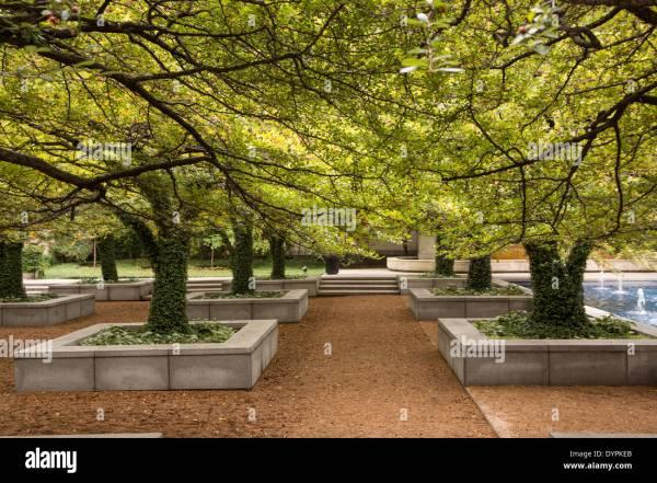 South Garden Art Institute Of Chicago Illinois Usa