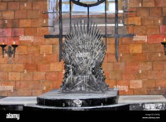 throne room iron landing hall game kings king thrones alamy shopping cart