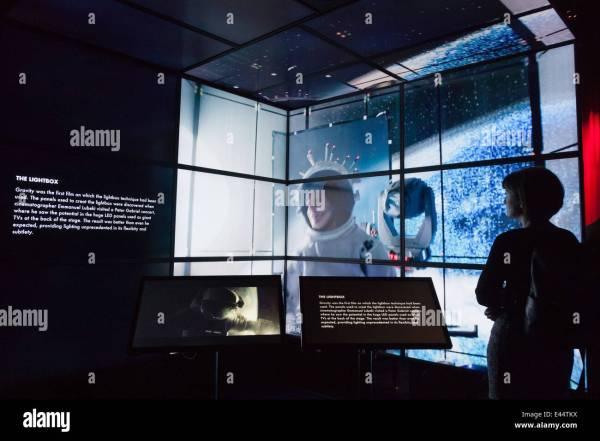 """lightbox"" Technique Of Films Gravity Digital"