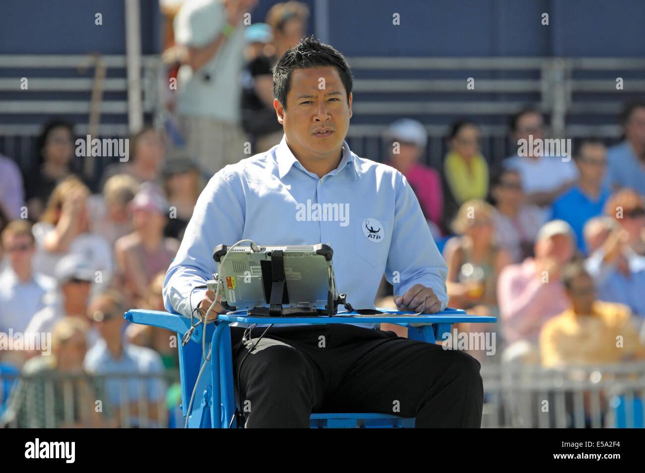 tennis umpire chair hire ergonomic edmonton aegon championship queens club london 2014
