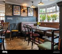 The White Horse pub - interior of traditional English pub ...