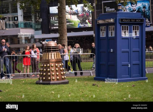 Peter Capaldi Dr Stock & - Alamy