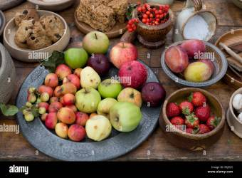 Table of medieval food at a historical re enactment Stock Photo Alamy