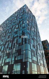 Contemporary office building - 6 Mitre Passage in ...