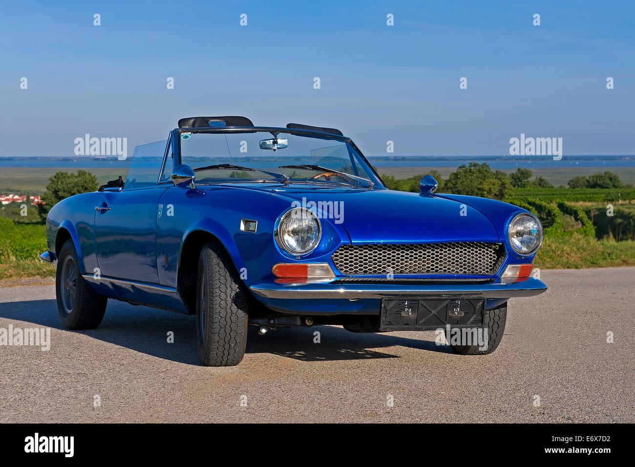 Haartz pinpoint vinyl.in black, tan and beige. Fiat Spider High Resolution Stock Photography And Images Alamy