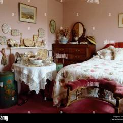Bedroom Chair Pink Velvet Koala Posture Upholstered Below Bed With Patchwork Quilt In Victorian Lace Cloth On Small Table