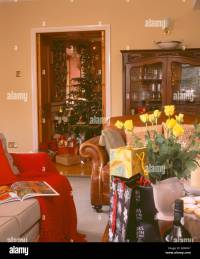 Country Christmas Tree Living Room Stock Photos & Country