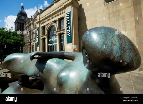 Sculpture Henry Moore Stock &