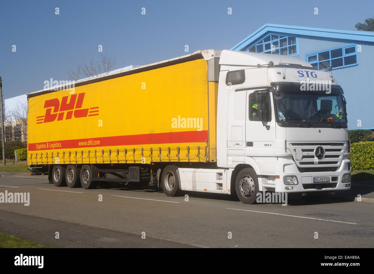 semi trailer deutsch canada soil diagram a mercedes actros 1853 tractor unit and in the