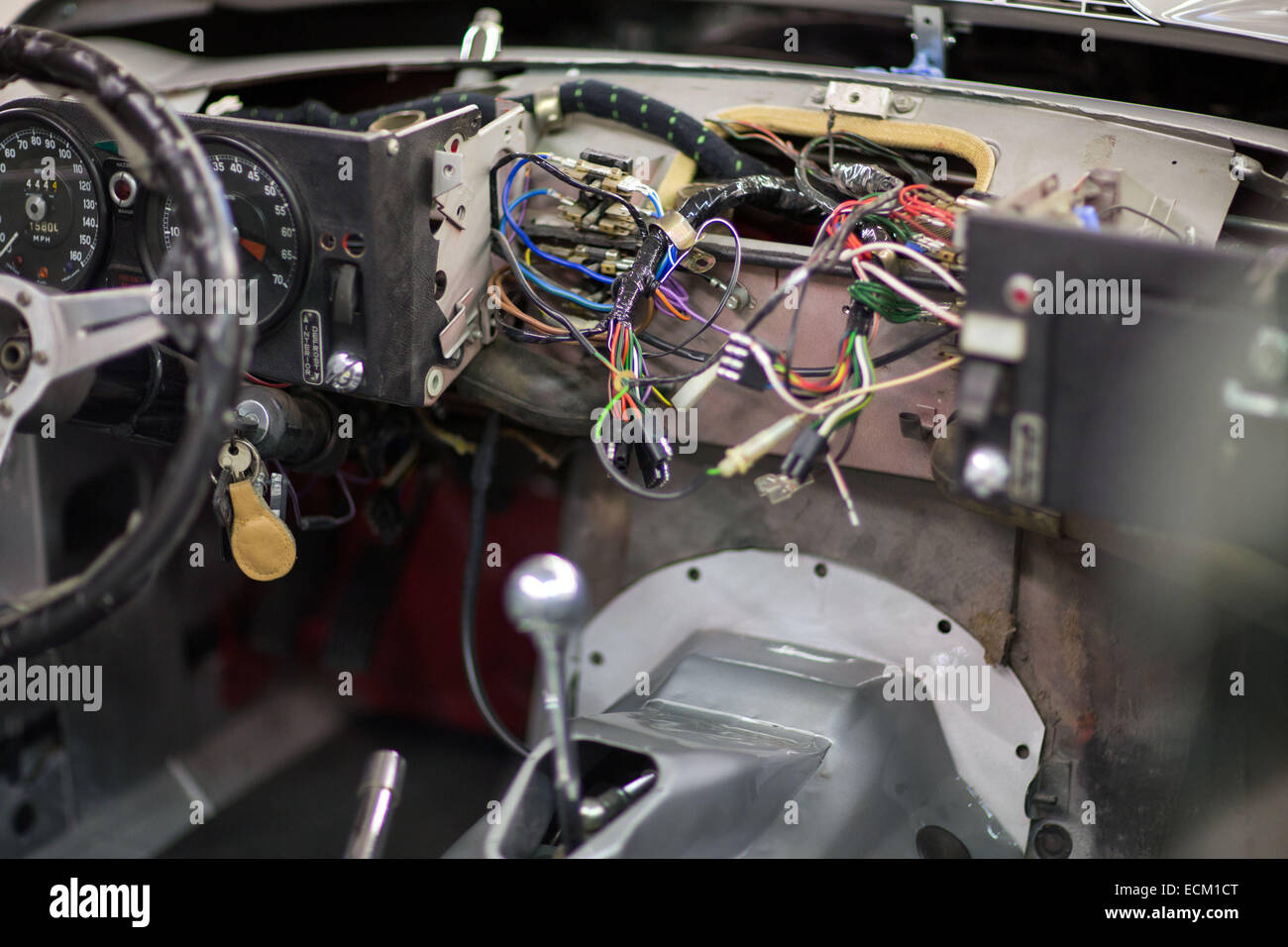 hight resolution of the dashboard wiring of a jaguar e type v12 at the repair shop of rh alamy com jaguar e type wiper motor wiring jaguar e type wiring diagram