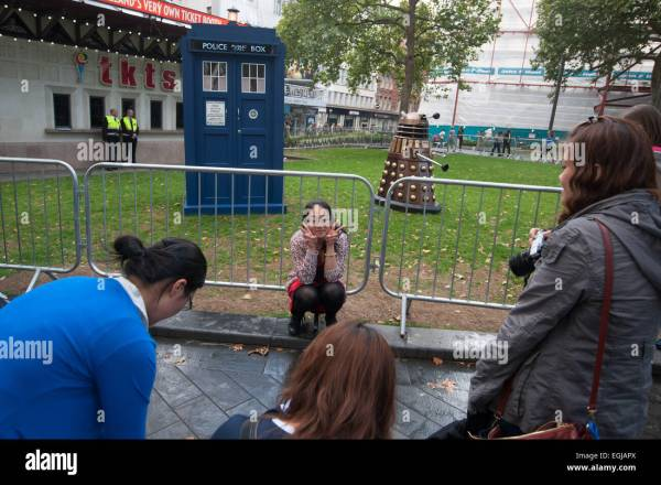 Odeon Leicester Square And 2014 Stock & - Alamy