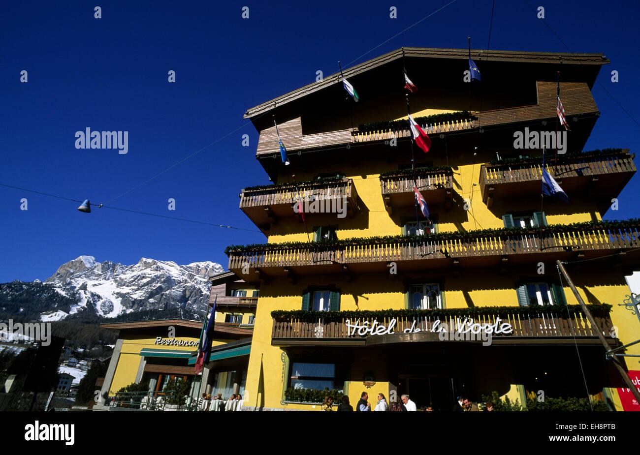 Titta igenom vårt fotobibliotek, läs recensioner från verifierade gäster och boka nu med vår prisgaranti. Italy Veneto Dolomites Cortina D Ampezzo Hotel De La Poste Stock Photo Alamy