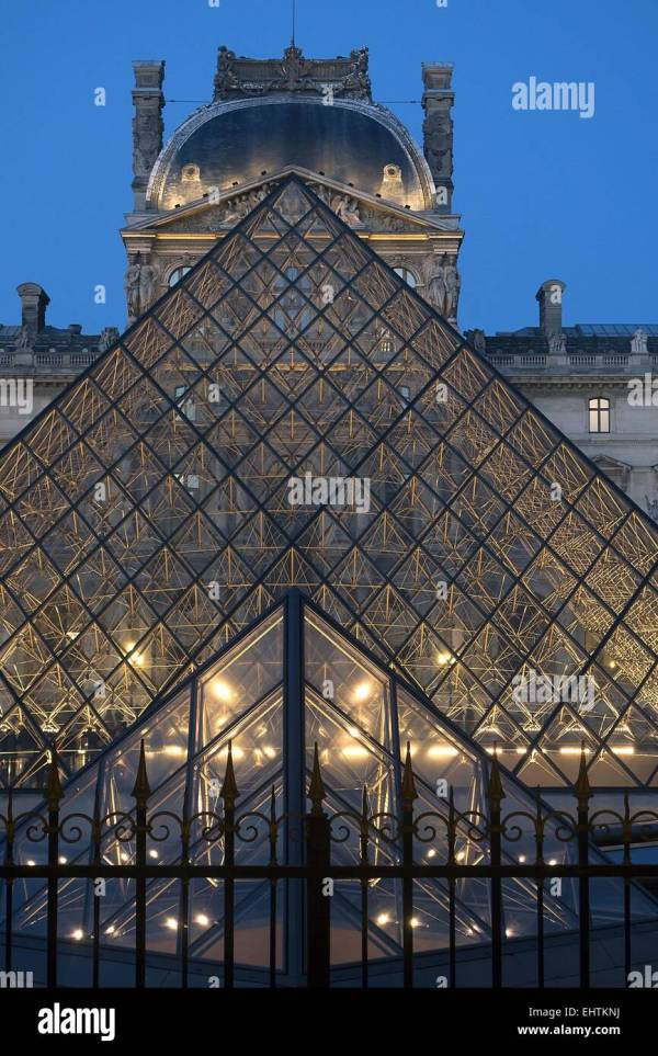 Illustration Of Louvre Pyramid Stock & - Alamy