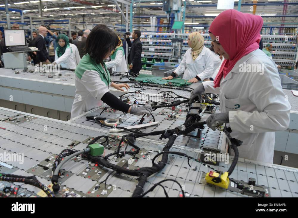 medium resolution of siliana tunisia 28th apr 2015 tunisian employees work on a wiring harness
