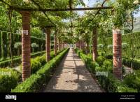 Rose Pergola Stock Photos & Rose Pergola Stock Images - Alamy