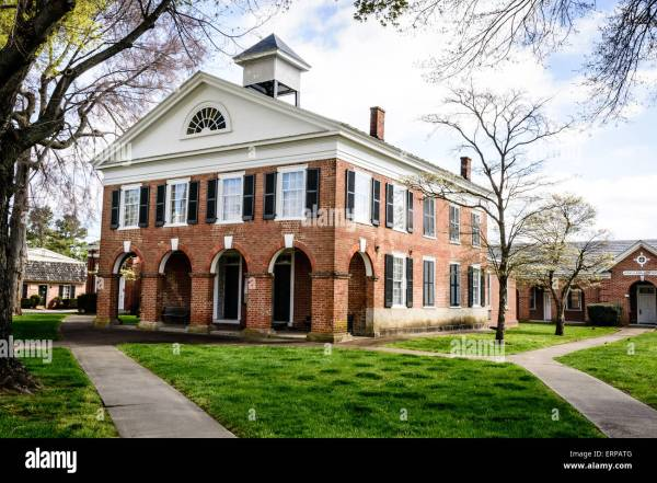 Caroline County Courthouse Bowling Green Virginia Stock