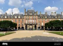 Pavillon De La Reine Place Des Vosges Le Marais Paris