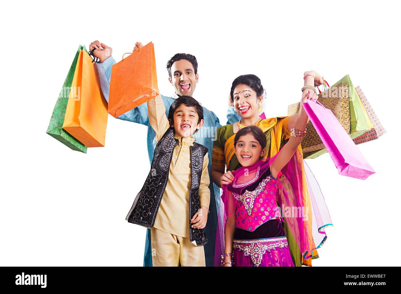 indian Marathi Parents and kids diwali shopping Stock Photo - Alamy