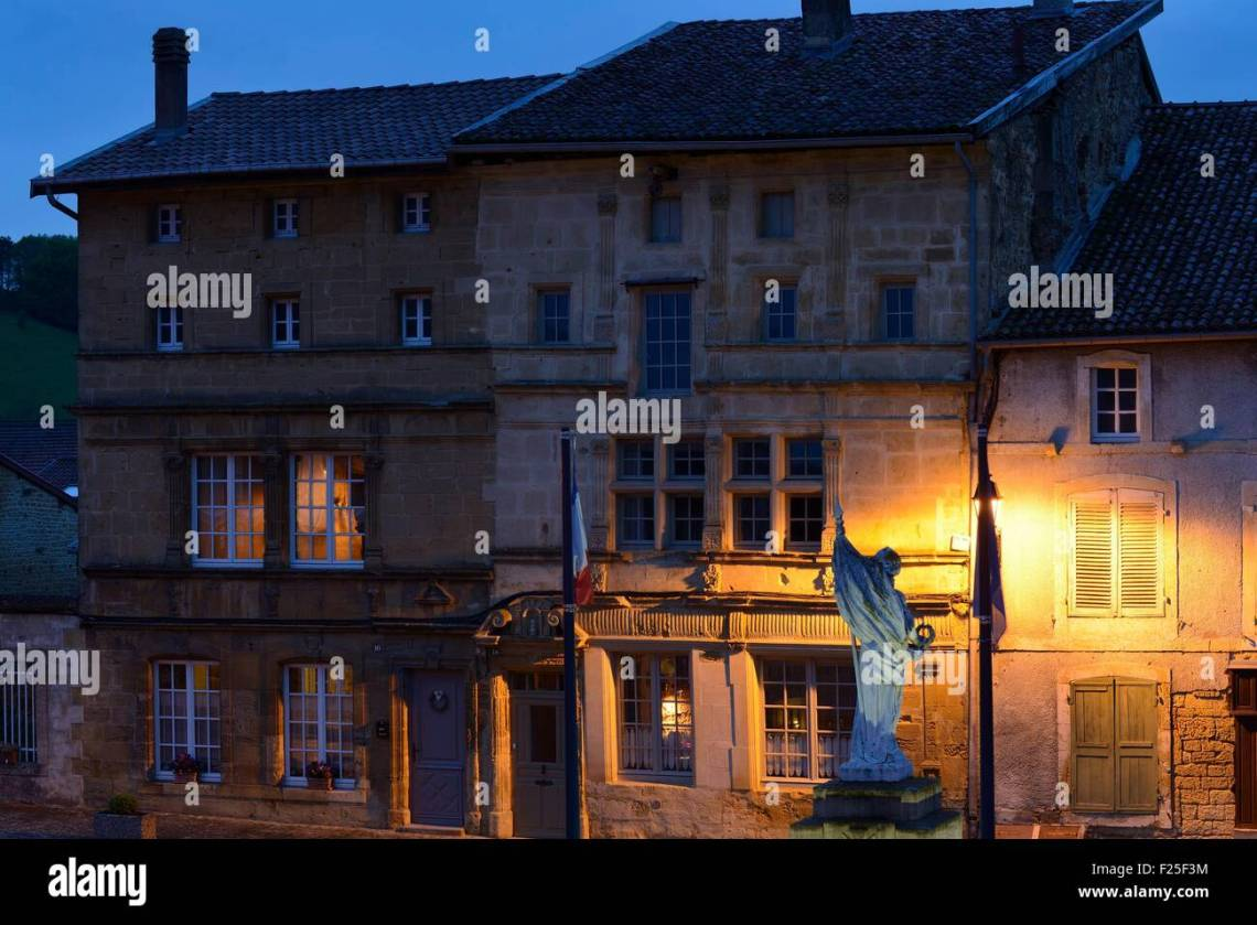 16th Century French Home - france-meuse-marville-grande-place-traders-houses-dated-16th-century-F25F3M_Best 16th Century French Home - france-meuse-marville-grande-place-traders-houses-dated-16th-century-F25F3M  Best Photo Reference_188230.jpg