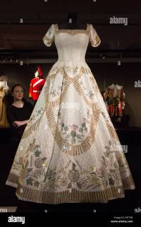 Elizabeth Ii Coronation Dress   www.pixshark.com - Images ...