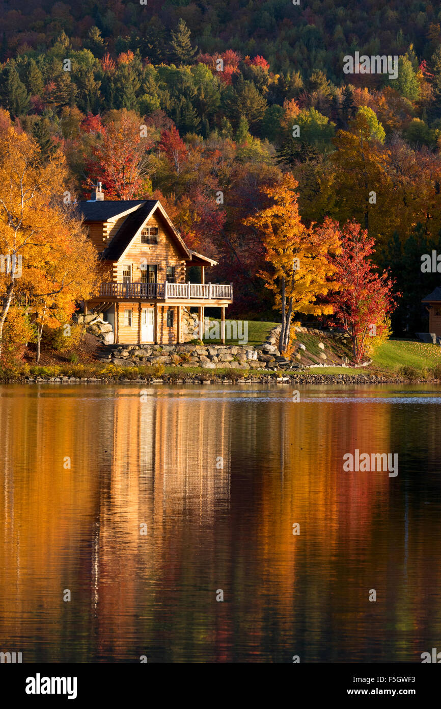 New England Fall Foliage Wallpaper Lake House At Sunset In Autumn Vermont New England Usa